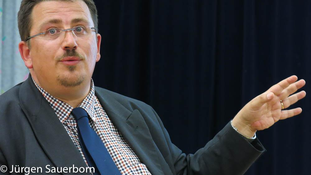 Rechtsanwalt Sauerborn im Vortrag